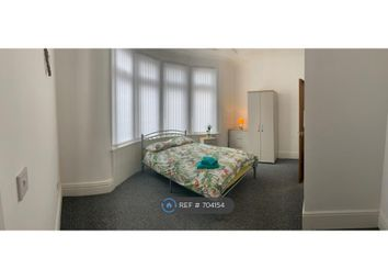 Room to rent in Queens Drive, Walton, Liverpool L4