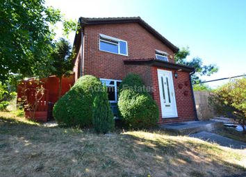 6 bed detached house to rent in Benson Close, Reading RG2
