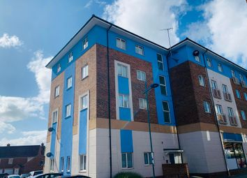 Thumbnail Flat to rent in Delft Crescent, Swindon