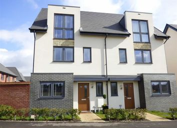 Thumbnail 3 bed town house for sale in Abbotsbury Drive, Daventry