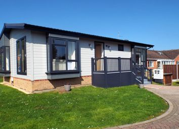 Thumbnail 2 bed bungalow for sale in West Side, North Littleton, Evesham