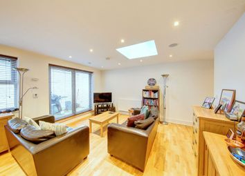 Thumbnail 1 bed flat to rent in Montholme Road, Battersea