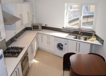 Thumbnail 6 bed flat to rent in Kennington Road, Kennington Road