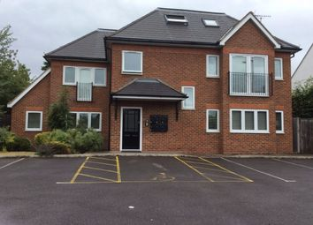 Thumbnail 2 bed flat to rent in Bath Road, Burnham, Slough
