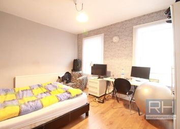 Thumbnail 4 bed town house to rent in Cropley Street, Islington