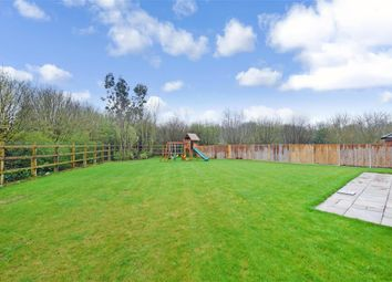 5 bed detached house for sale in Quarry Road, Ryarsh, West Malling, Kent ME19