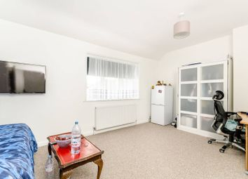 Thumbnail 2 bed property to rent in Downderry Road, Bromley