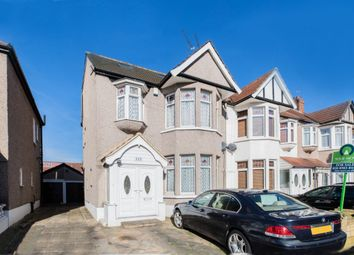 Thumbnail 5 bed terraced house for sale in Glenwood Gardens, Gants Hill, Ilford