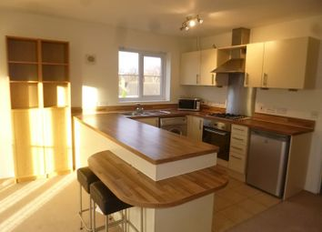 2 bed flat to rent in Hassocks Close, Beeston, Nottingham NG9