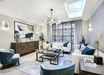 Godfrey Street, Chelsea, London SW3. 3 bed terraced house for sale