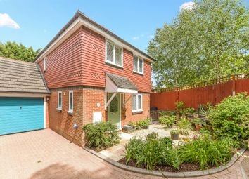 Ward Close, South Croydon CR2. 3 bed detached house