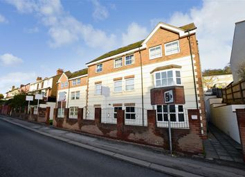 Godstone Road, Whyteleafe, Surrey CR3. 2 bed flat