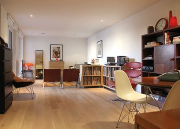 Thumbnail 1 bed flat for sale in Townmead Road, London