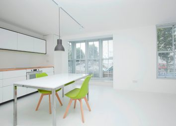 2 bed maisonette to rent in Silvester Road, East Dulwich, London SE22