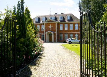 Thumbnail Flat to rent in Lawson Close, Wimbledon