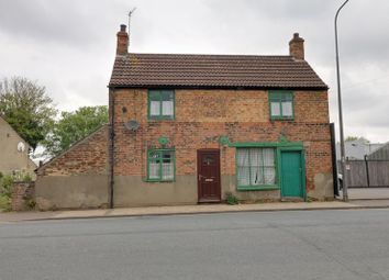 Thumbnail 3 bed cottage for sale in Old Crosby, Scunthorpe
