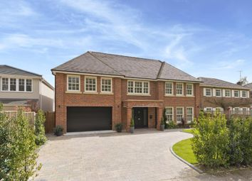 Thumbnail 5 bed detached house to rent in Heathfield, Cobham