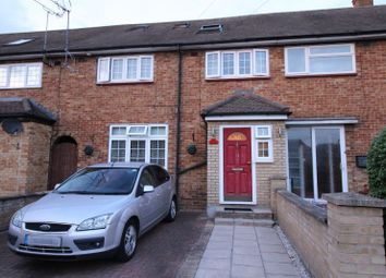 4 bed terraced house to rent in Retford Close, Romford, Essex RM3