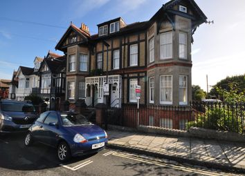 Thumbnail 2 bed flat to rent in Dover Street, Ryde
