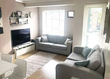 2 bed maisonette to rent in Hilldrop Estate, London N7