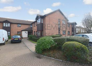 2 bed flat for sale in Fountain Court, Sidcup DA15