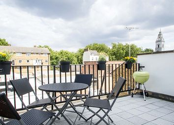 3 bed maisonette to rent in Clarence Road, Clapton E5