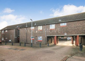 Thumbnail 1 bed flat to rent in Nash Road, Romford