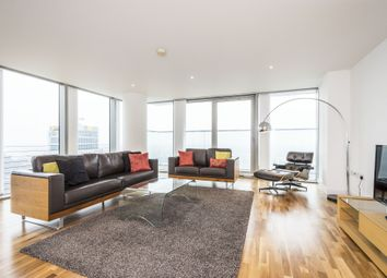 Thumbnail 3 bedroom flat to rent in The Landmark, Canary Wharf