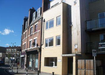 Thumbnail 1 bed flat to rent in The Quadrant, Kilburn Lane, London