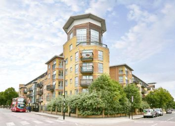 Thumbnail 1 bed flat for sale in Queens Drive, Finsbury Park, London