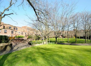 Thumbnail 1 bed flat to rent in More Close, St Pauls Court, London