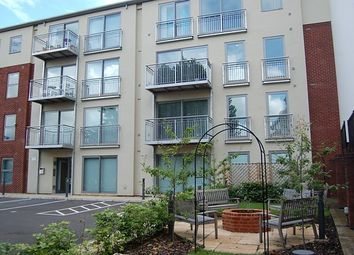 Thumbnail 1 bed flat to rent in London St, Reading