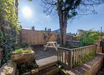 Thumbnail 2 bed flat to rent in Dalyell Road, Brixton, London