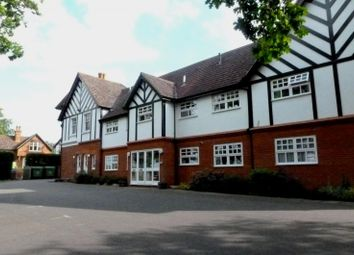 Thumbnail 2 bed flat to rent in Dunraven Avenue, Redhill