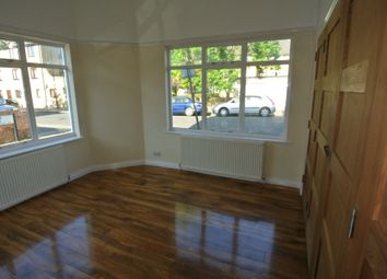 Thumbnail 2 bedroom flat for sale in Malyons Road, Ladywell