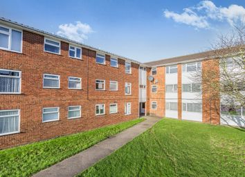 Thumbnail Flat for sale in Handcross Road, Luton