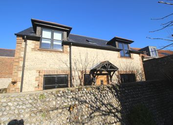 2 bed detached house to rent in Ocklynge Road, Motcombe, Old Town, Eastbourne BN21
