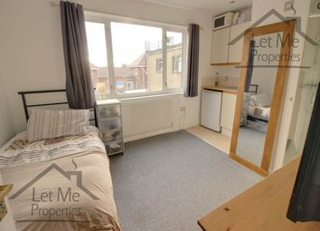Thumbnail Room to rent in Hatfield Road, St.Albans, Hertfordshire