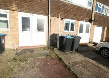 Thumbnail 3 bed flat to rent in Washington Avenue, Hemel Hempstead