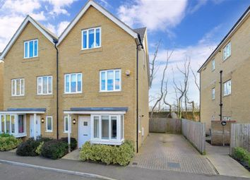 3 bed town house for sale in Martin Drive, Stone, Dartford, Kent DA2