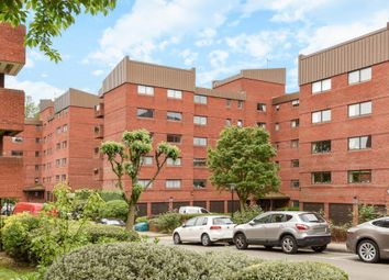 Thumbnail 2 bed flat for sale in Spencer Close, Finchley N3,