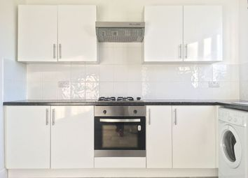 Thumbnail 2 bed flat to rent in Kendall Avenue, Sanderstead, South Croydon