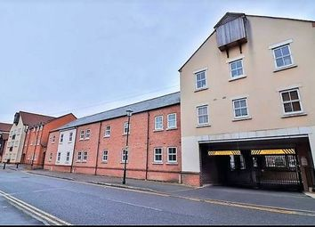 Thumbnail 2 bed flat to rent in Waterford Gate, Fairford Leys, Aylesbury