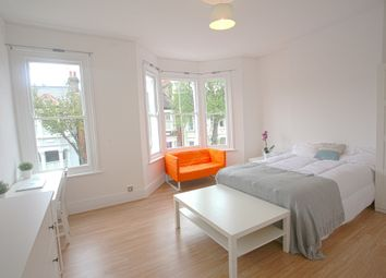 Thumbnail 5 bed terraced house to rent in Bennerley Road, London, London