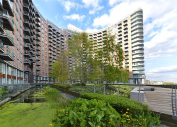 Thumbnail 2 bed flat to rent in New Providence Wharf, 1 Fairmont Avenue, London