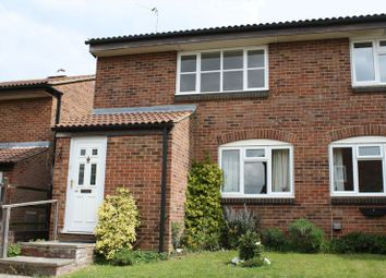 Thumbnail 1 bed flat to rent in Wentworth Road, Thame