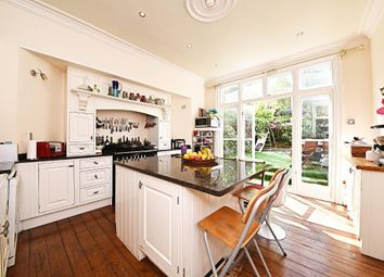 Thumbnail 4 bed terraced house for sale in Milton Park, Highgate