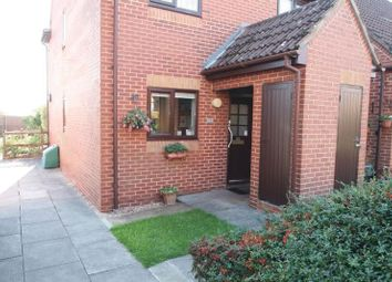 Thumbnail 2 bed property for sale in Lansdowne Way, High Wycombe