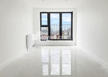 Thumbnail 4 bed flat to rent in Commercial Road, Limehouse