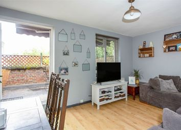 2 bed maisonette for sale in High Street, Brentford, Greater London TW8
